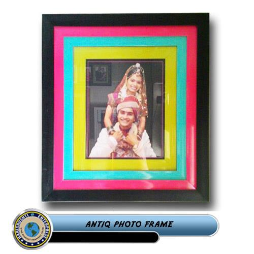 ANTIQ PHOTO FRAME